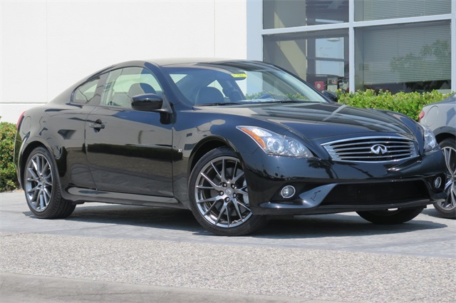 Pre-Owned 2015 INFINITI Q60 S