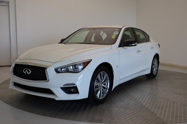Pre-Owned 2018 INFINITI Q50 2.0t PURE