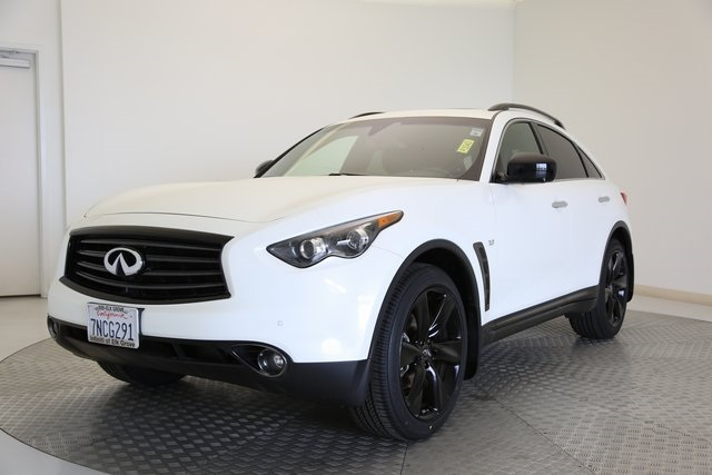Pre-Owned 2015 INFINITI QX70 RWD